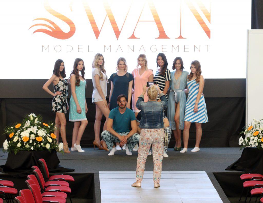 Prvi dan Sajma Timod EXPO obilježile modne revije Al,ma Ras i DressCode